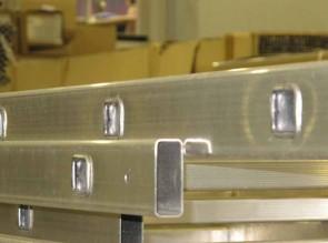 Perfil de escalera de aluminio