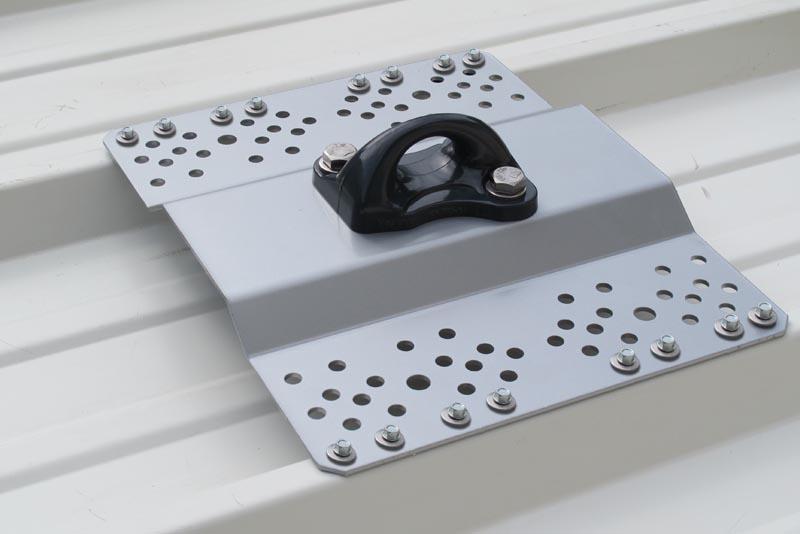 platine d 39 ancrage aluminium sur bac sec acier vectasafe alsolu. Black Bedroom Furniture Sets. Home Design Ideas