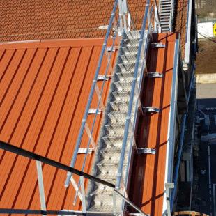 Escalier VECTAWAY sur toiture pente 31°